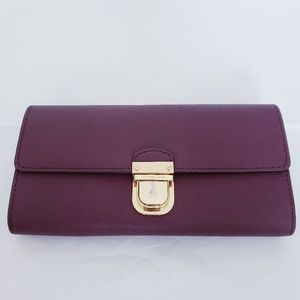Micheal Kors Saffiano Leather Full Sized Wallet